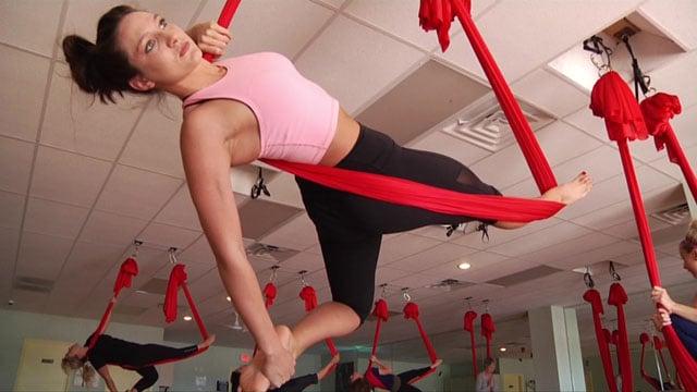 Aerial yoga / KTEN