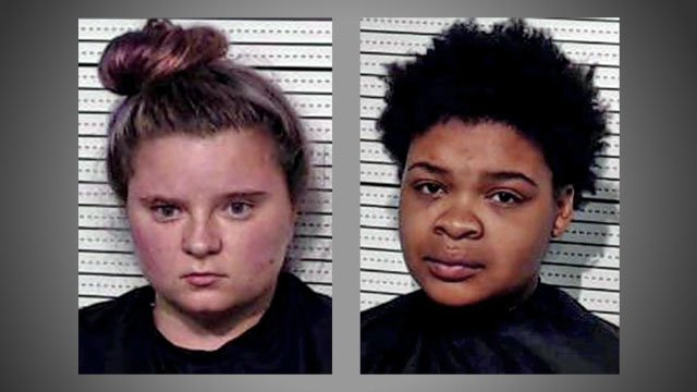 Karalyn Cross (L) and Nikeya Grant face capital murder charges in the Sherman hotel murder case. (Grayson County)