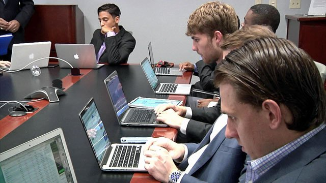 Austin College students are making real investments. (KTEN)