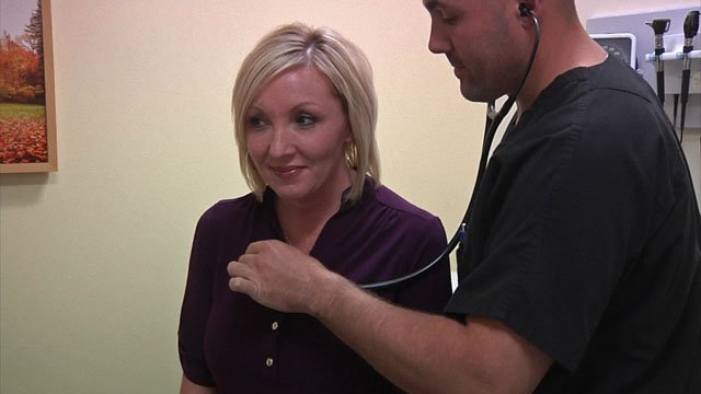 Larissa Freeman visits Mercy Convenient Care in Ardmore. (KTEN)