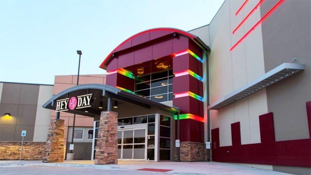 HeyDay offers bowling, dining and arcade games. (Courtesy)
