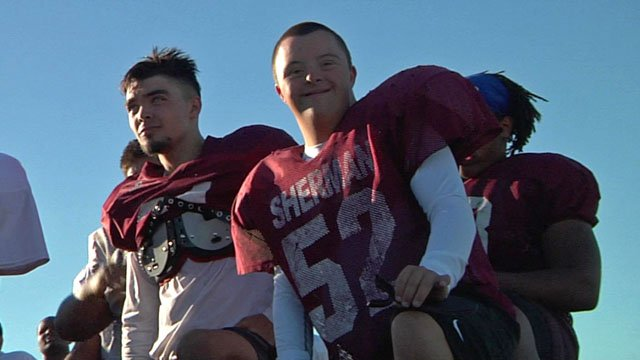 Walker Wedell (right) on the sidelines with the Sherman Bearcats. (KTEN)