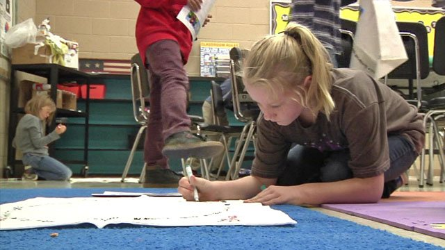 Tom Bean Elementary School students were shown how to use pillowcases as an essential disaster tool. (KTEN)