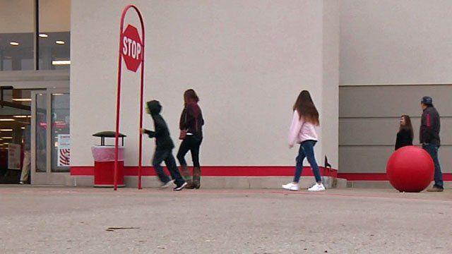Shoppers streamed to Texoma stores on the day after Christmas. (KTEN)