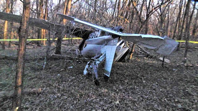 The pilot of this Piper Dakota was injured when the plane crashed in the Tishomingo National Wildlife Refuge. (KTEN)