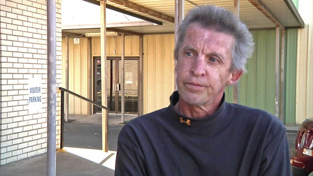 Ronnie Wentling is homeless in Sherman. (KTEN)