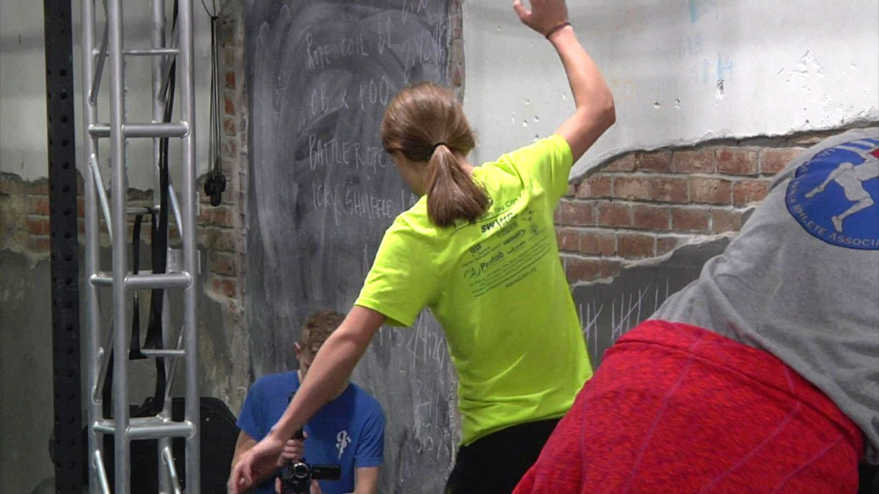 Kids and adults competed in a Ninja event at Gauntlet Fitness in Ardmore. (KTEN)