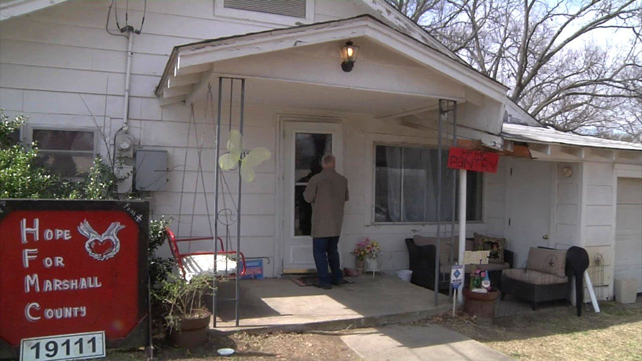 This home in Oakland, Oklahoma, has been transformed into a food pantry. (KTEN)