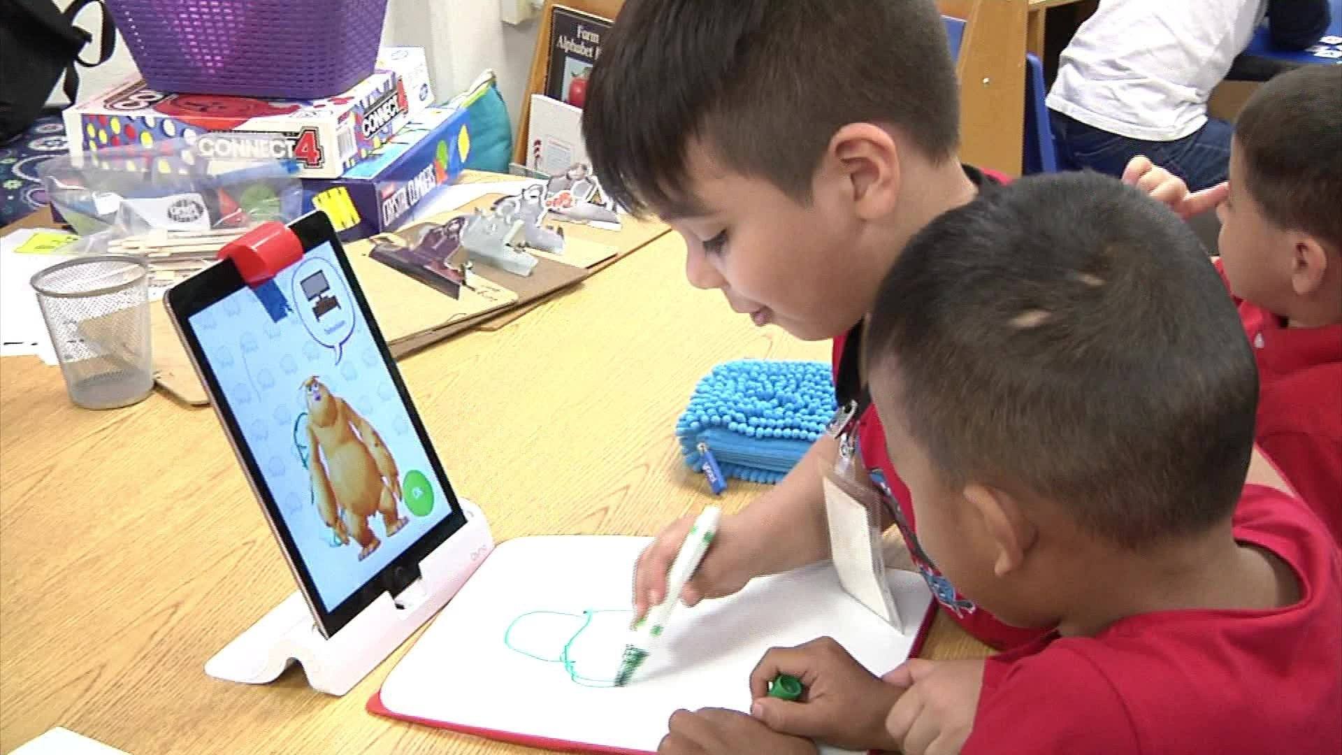 Students at Fred Douglass Early Learning Center are using iPads in their curriculum. (KTEN)