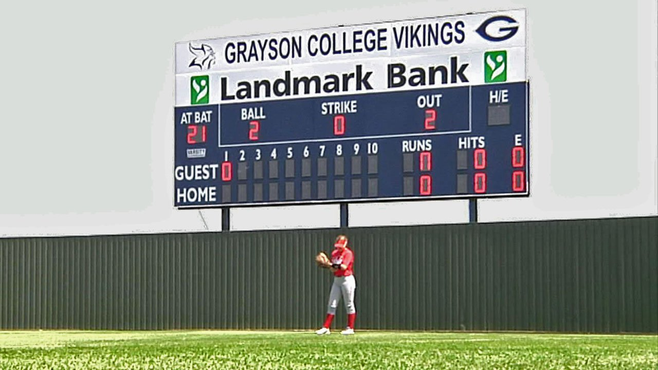Landmark Bank donated new scoreboards to Grayson College baseball and softball. (KTEN)