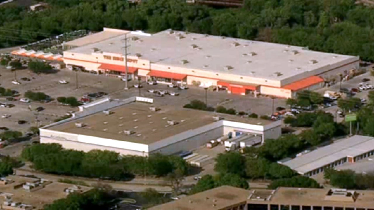 One officer in Dallas Home Depot shooting dies