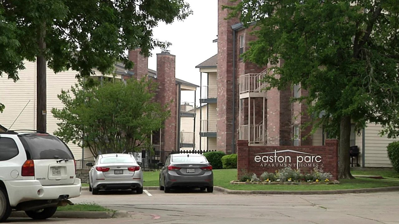 Sherman police said an armed man passed counterfeit cash at the Easton Parc apartments. (KTEN)