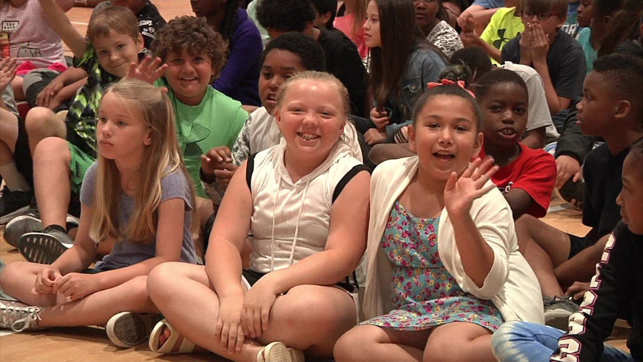 Lincoln Elementary students celebrate another year of Great Expectations. (KTEN)