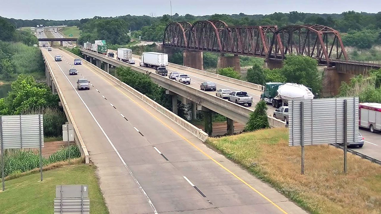 An accident at the north end of the U.S. 69/75 bridge over the Red River backed up traffic into Texas on Monday afternoon. (TxDOT photo)