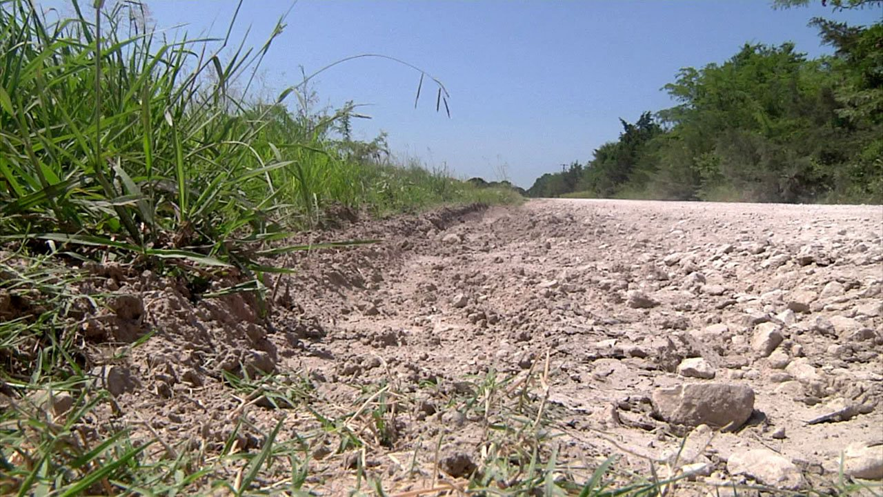 A federal grant will fund repairs on Sandy Point Road in the Hagerman National Wildlife Refuge. (KTEN)