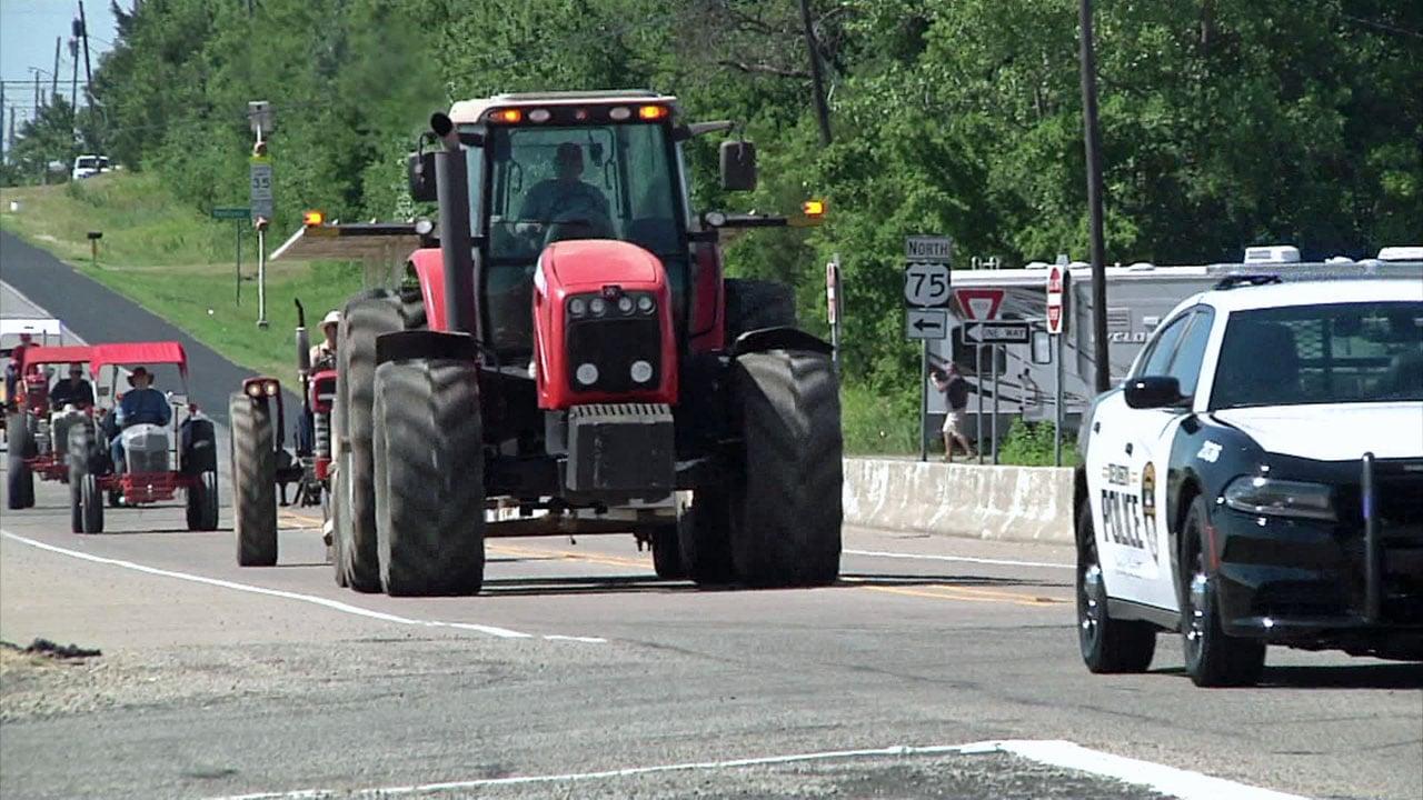 The Golden Harvest Days parade through Denison on June 15, 2018. (KTEN)