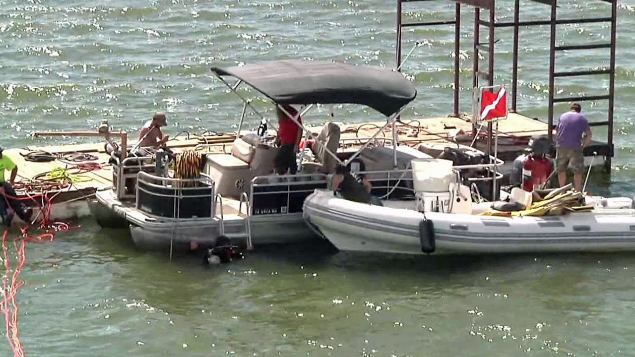 Dive teams have been working to raise a truck from the bottom of Lake Texoma. (KTEN)