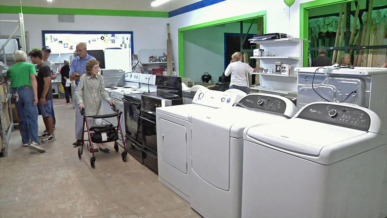 Appliances are part of the product mix at the new Habitat for Humanity ReStore in Sherman. (KTEN)