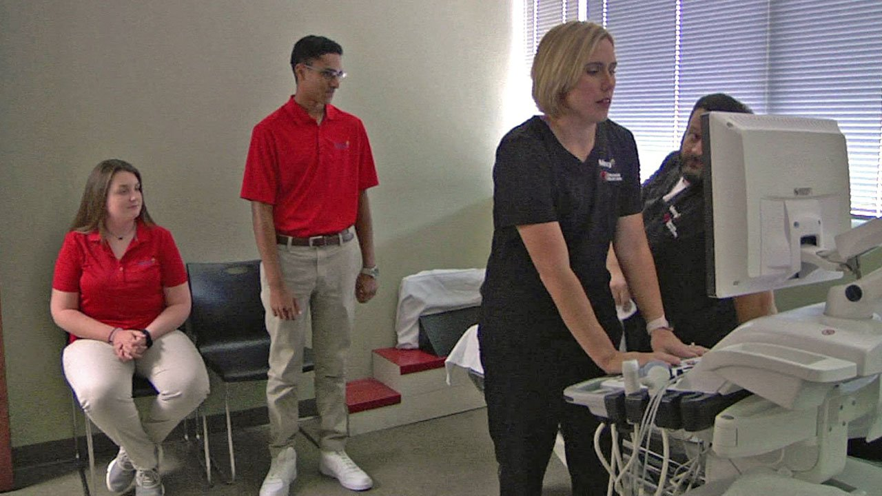 High school students are shadowing medical professionals at at Mercy Hospital in Ardmore. (KTEN)
