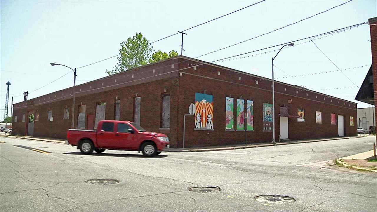 There are plans to turn a historic building at 124 North Walnut Street in Sherman into an event center. (KTEN)