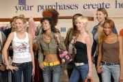 Natasha (Far Left) and other contestants at thrift store. Photo courtesy www.cwtv.com