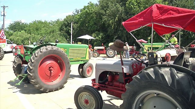 Vintage tractors get ready for Golden Harvest Days