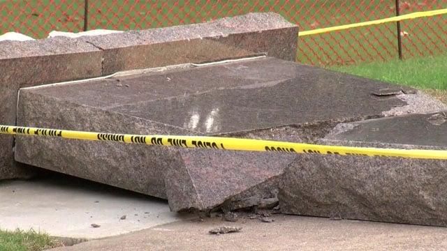 Arkansas Capitol Ten Commandments monument toppled