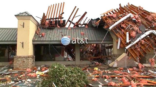AT&T store damaged in Tulsa tornado