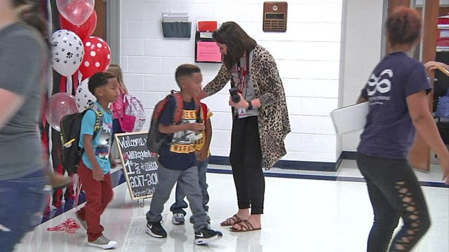 Teacher greets Ardmore students
