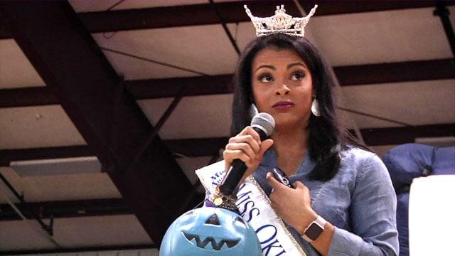 Miss Oklahoma Triana Browne speaks to students at Rock Creek Schools. (KTEN)