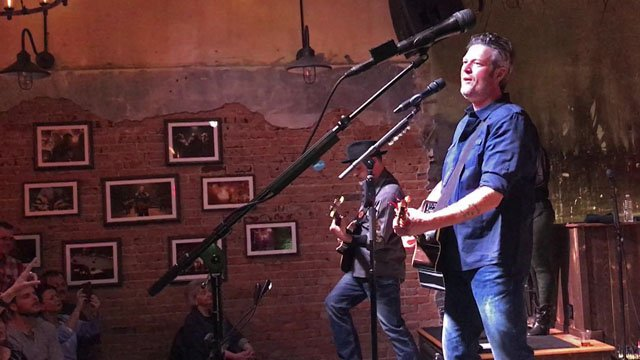 Blake Shelton performs at his Ole Red restaurant in Tishomingo. (KTEN)