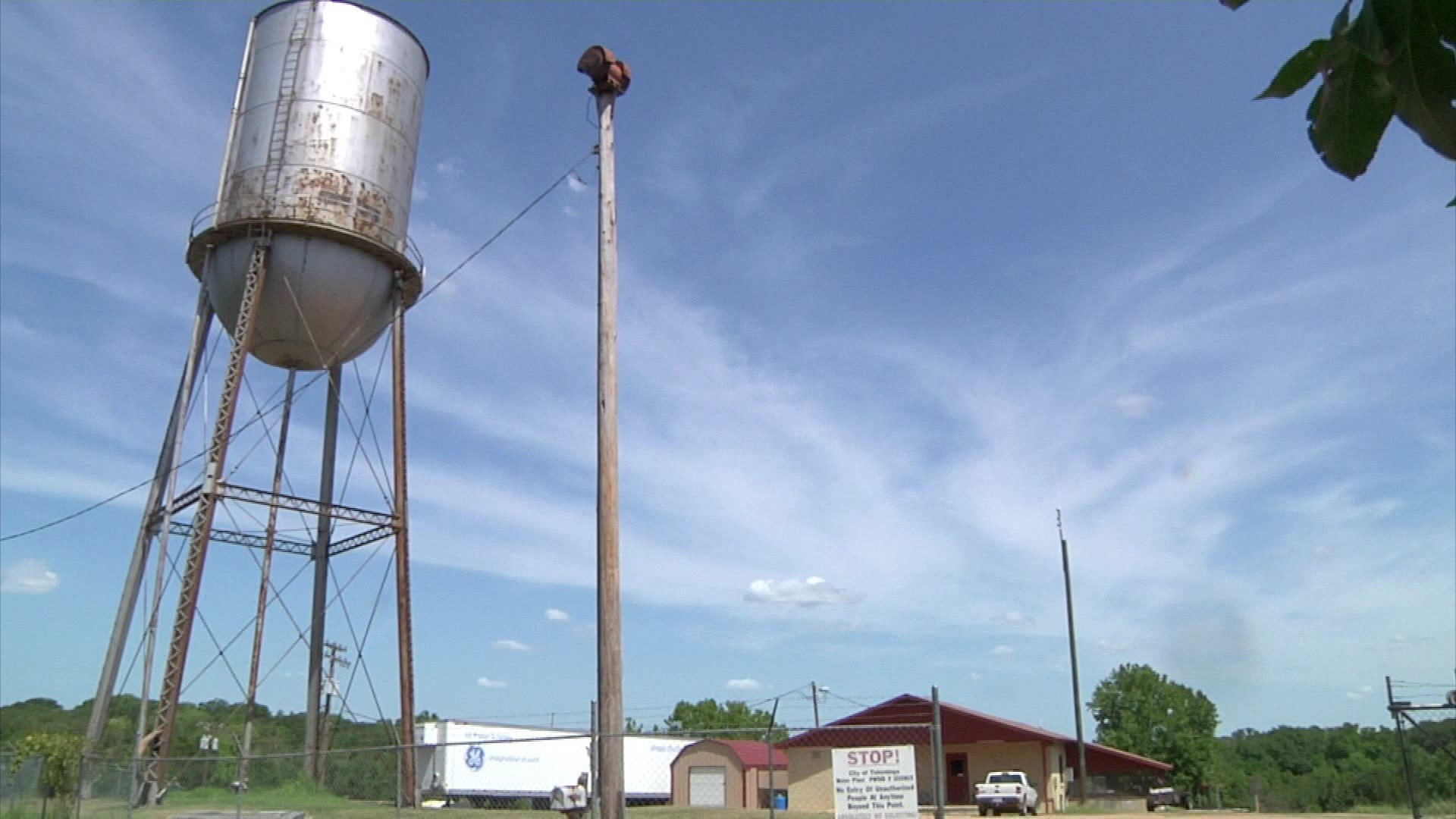 Teams are checking for leaks in the Tishomingo water system. (KTEN)