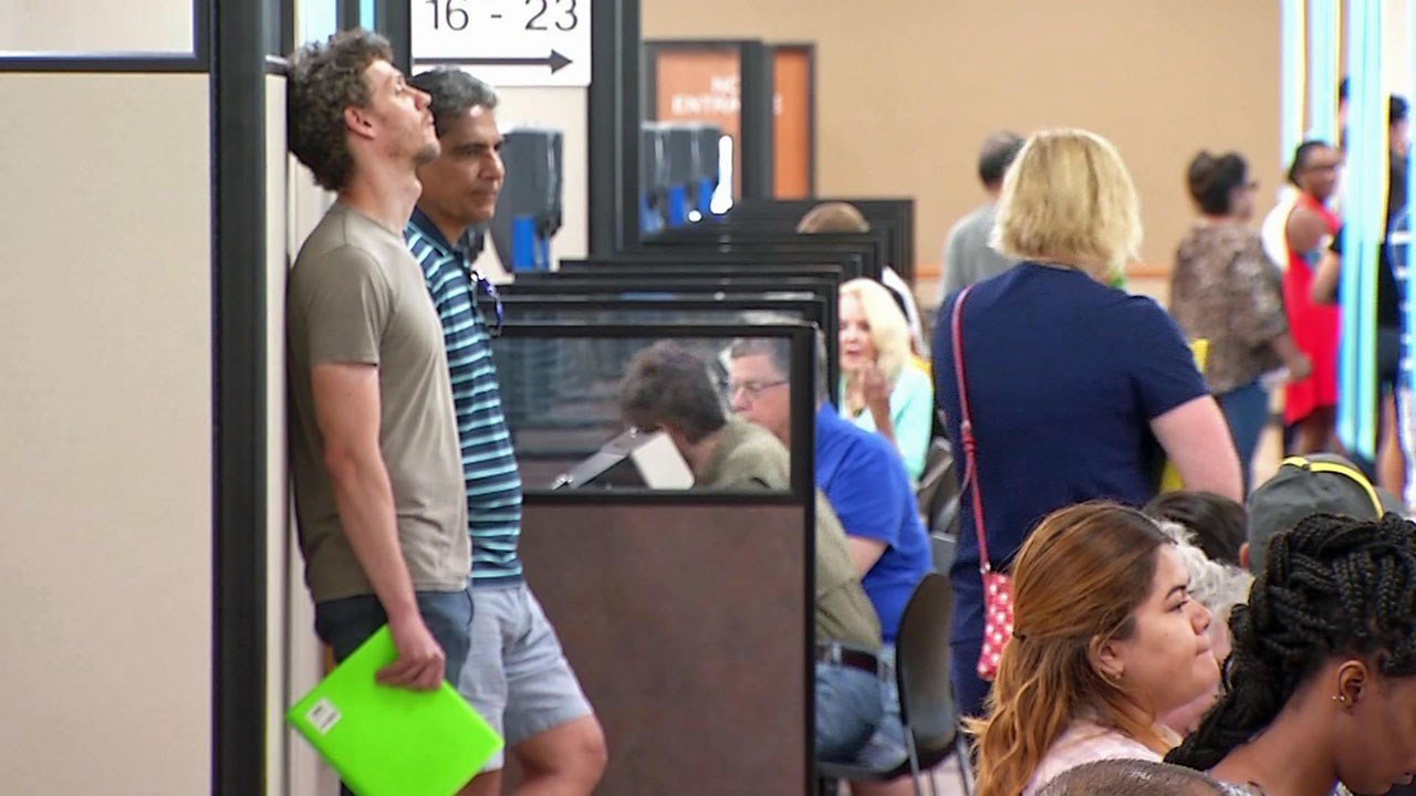 The crowded DPS driver license super center in Carrollton, Texas. (KXAS)