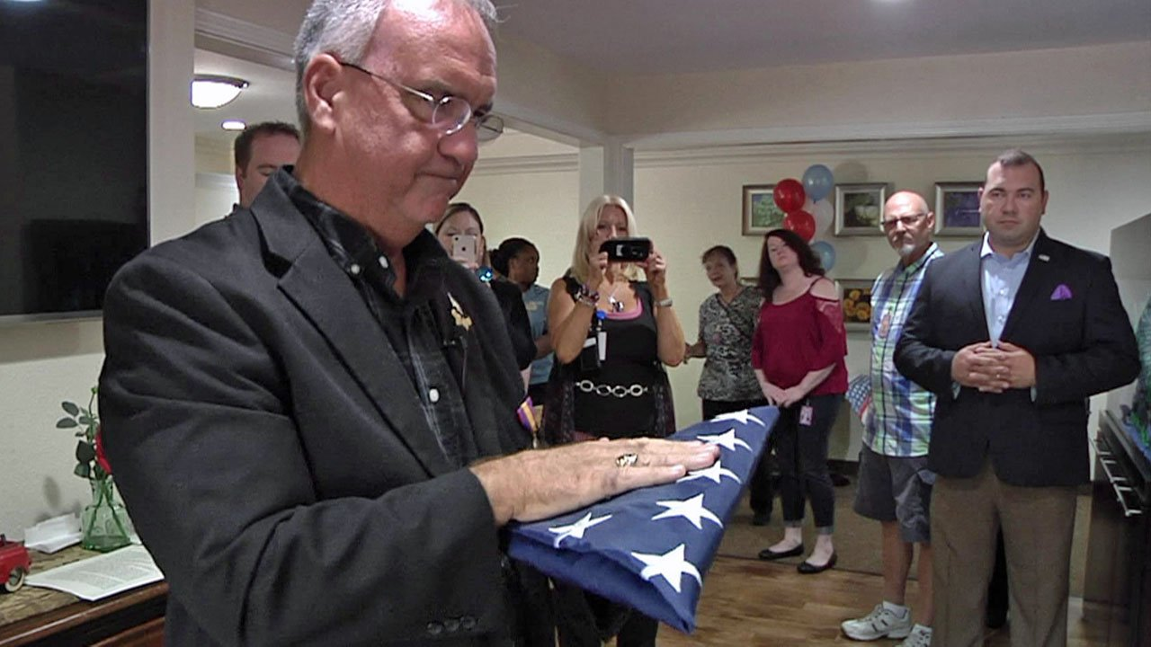 Billy Teague honors military veterans with his Texoma's Heroes program. (KTEN)