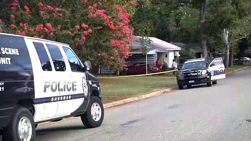 Sherman police investigate a stabbing incident in the 500 block of North Ricketts Street on September 4, 2018. (KTEN)