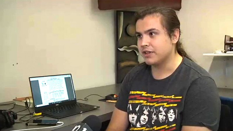 Sherman student James Allen takes his high school classes at home, online. (KTEN)