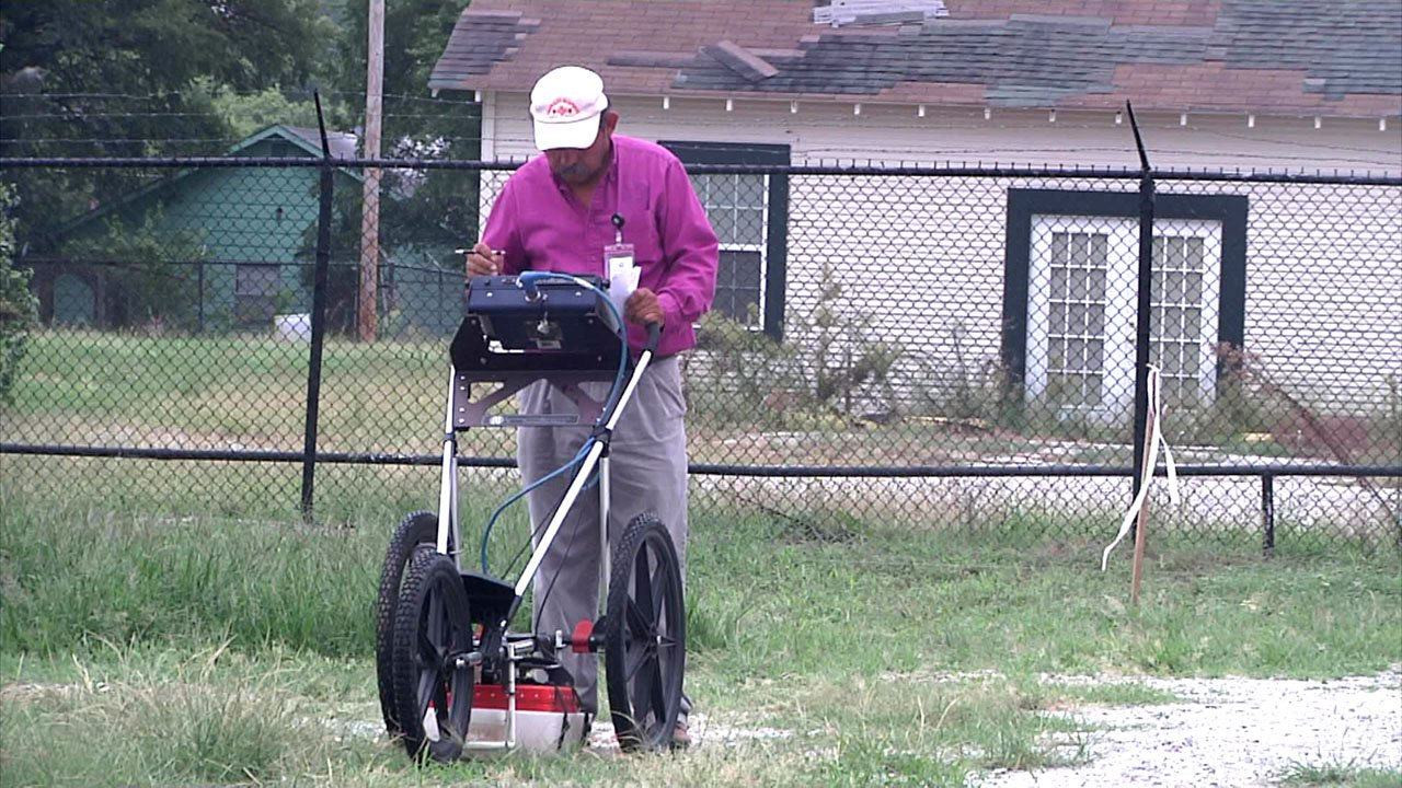 Ground-penetrating radar is being used to look for clues along the Trail of Tears in Ardmore. (KTEN)