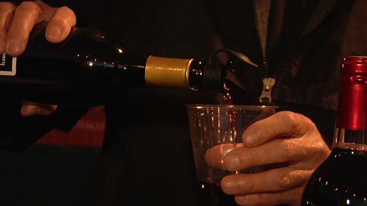 Winery pours wine at Ivanhoe Wine & Music Festival (KTEN)