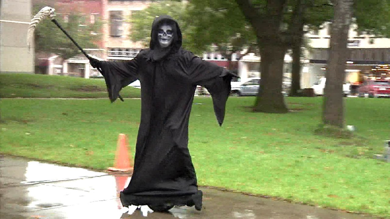 The Grim Reaper makes an appearance in downtown Sherman. (KTEN)