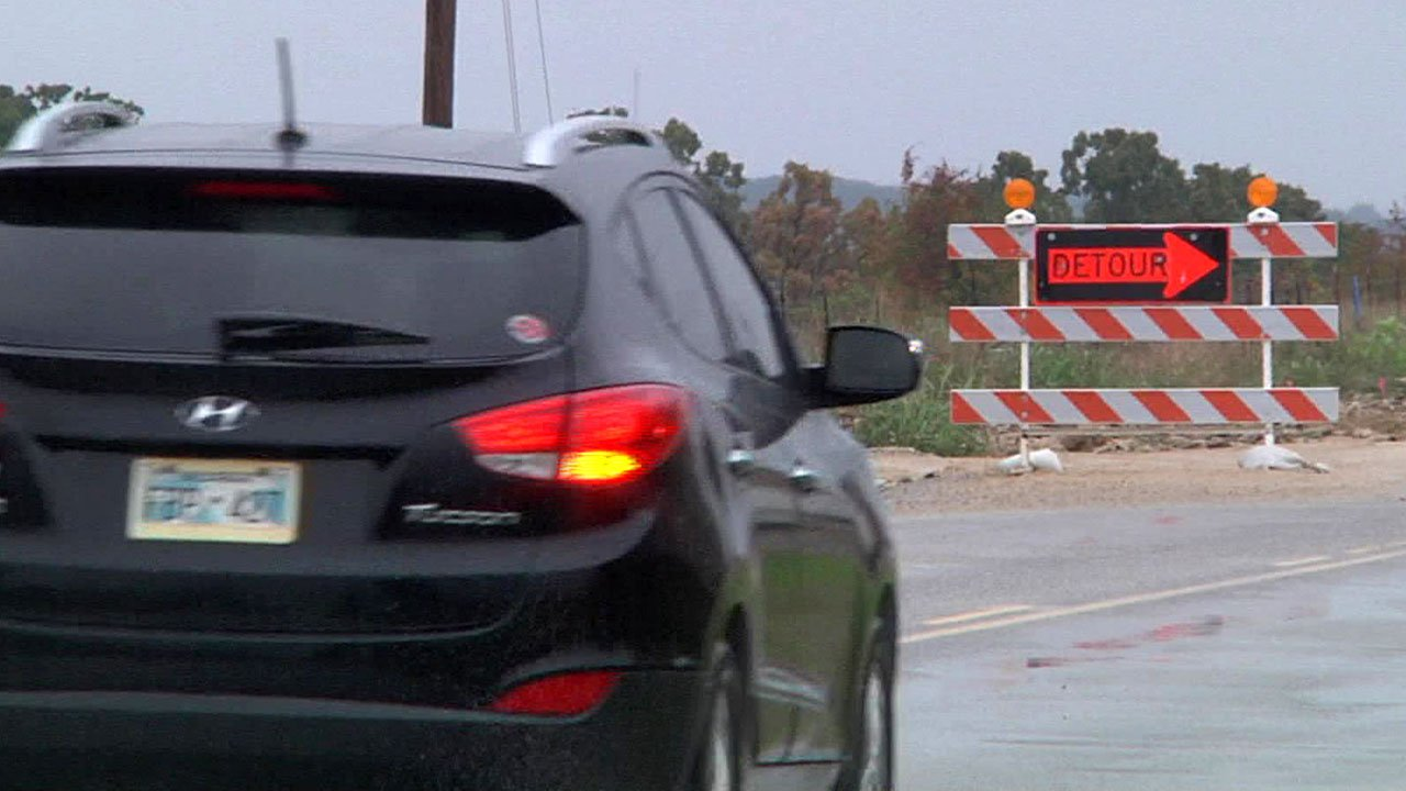 Motorists, residents and businesses are weary of the Enos Road construction project near Kingston.  (KTEN)
