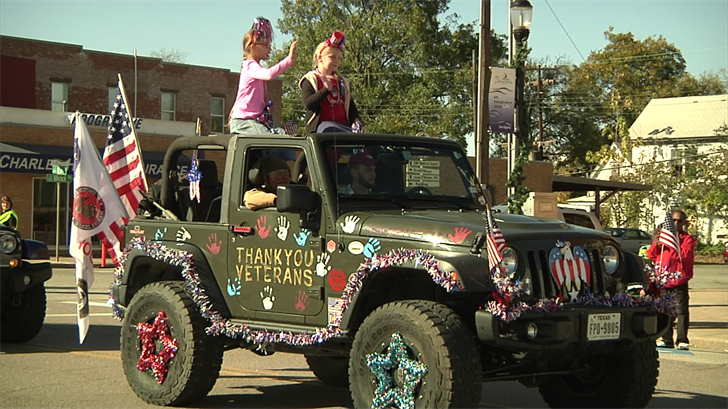Kids Celebrate Veteran's Day in Denison. (KTEN)