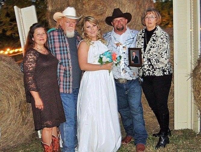 Robert Allen's Family (KTEN)