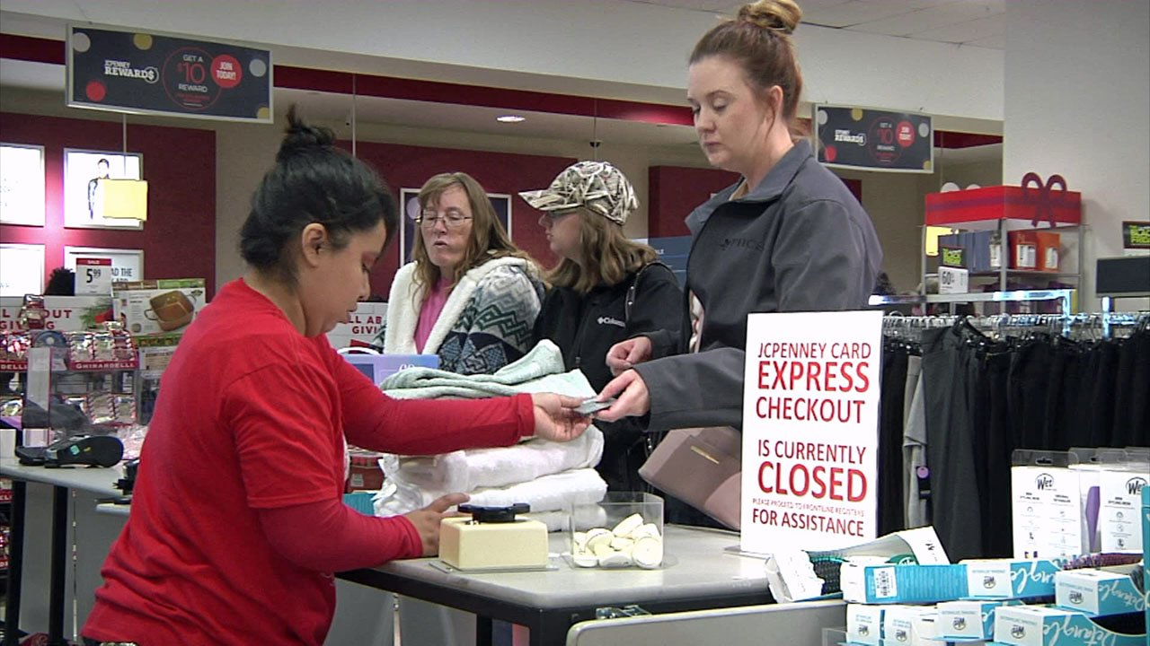 A shopper checks out at the JCPenney store at Sherman Town Center on Black Friday 2018. (KTEN)