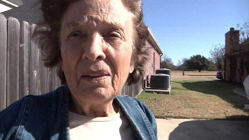 Gail Walker said she heard gunfire and found her neighbor wounded. (KTEN)