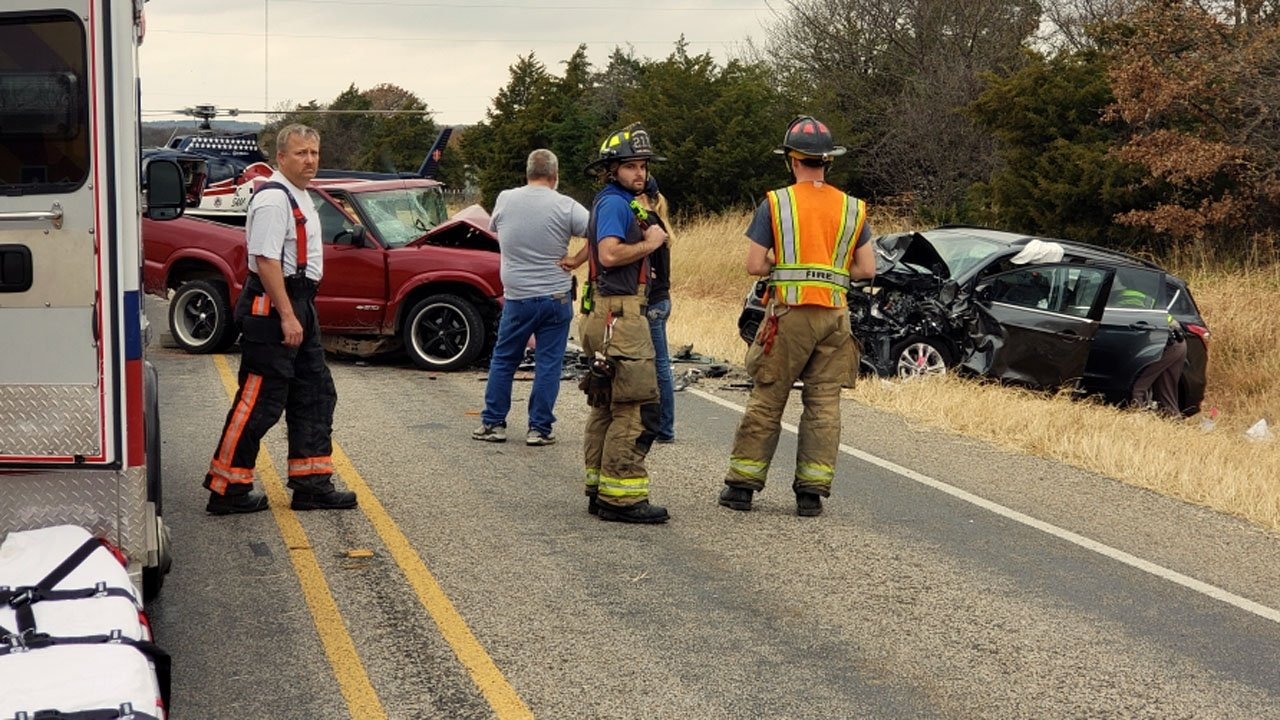 Two vehicles collided head-on in Collinsville on November 30, 2018. (KTEN)