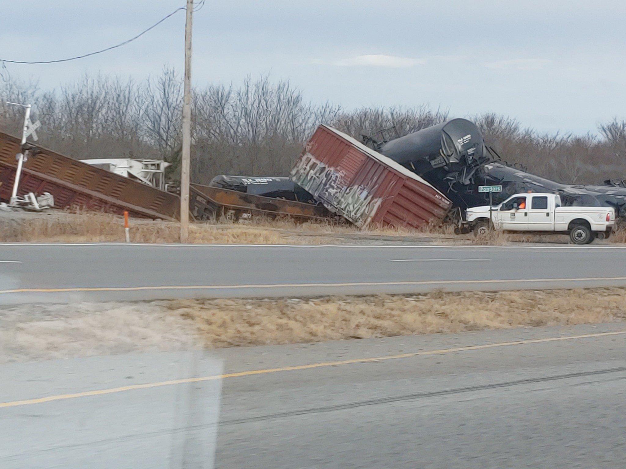 A Union Pacific Train derailed north of Kiowa, Ok on Sunday morning. (KTEN)