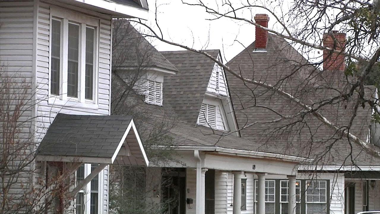 Ardmore police say homeowners should be alert for roof repair scams. (KTEN)
