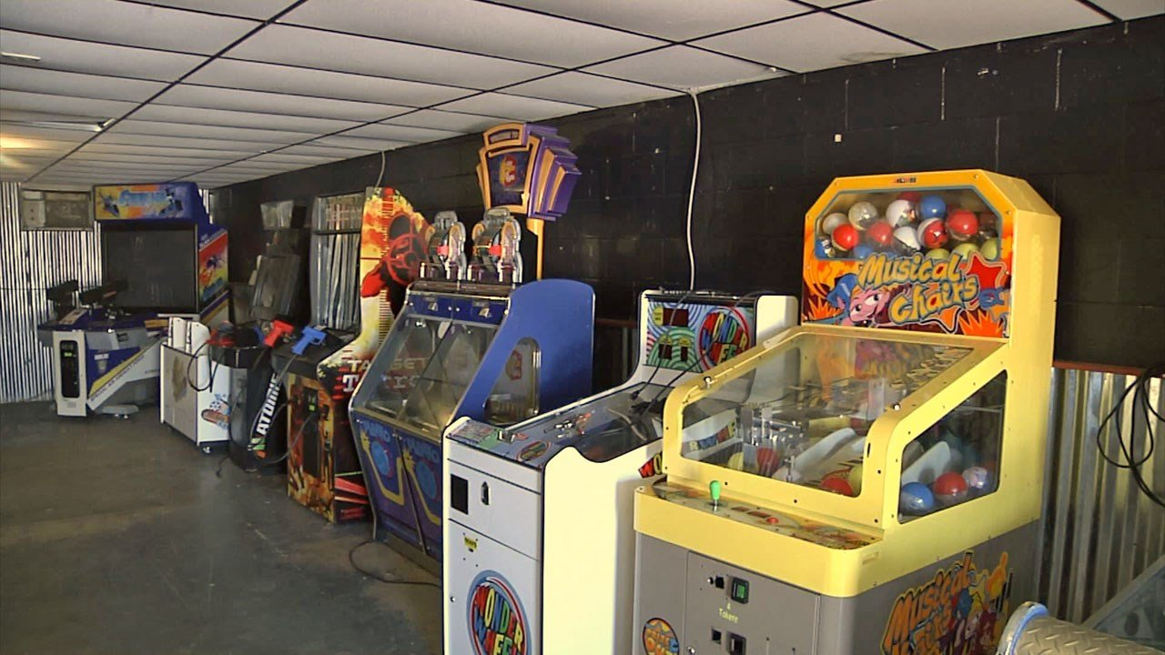 The F.R.O.G. Zone in Wapanucka offers arcade games and other youth activities. (KTEN)