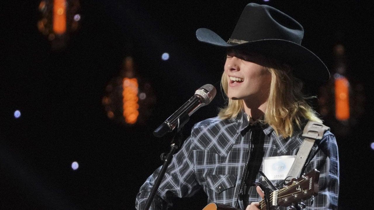 "Austin Michael Robinson performs on ABC's ""American Idol."" (ABC)"