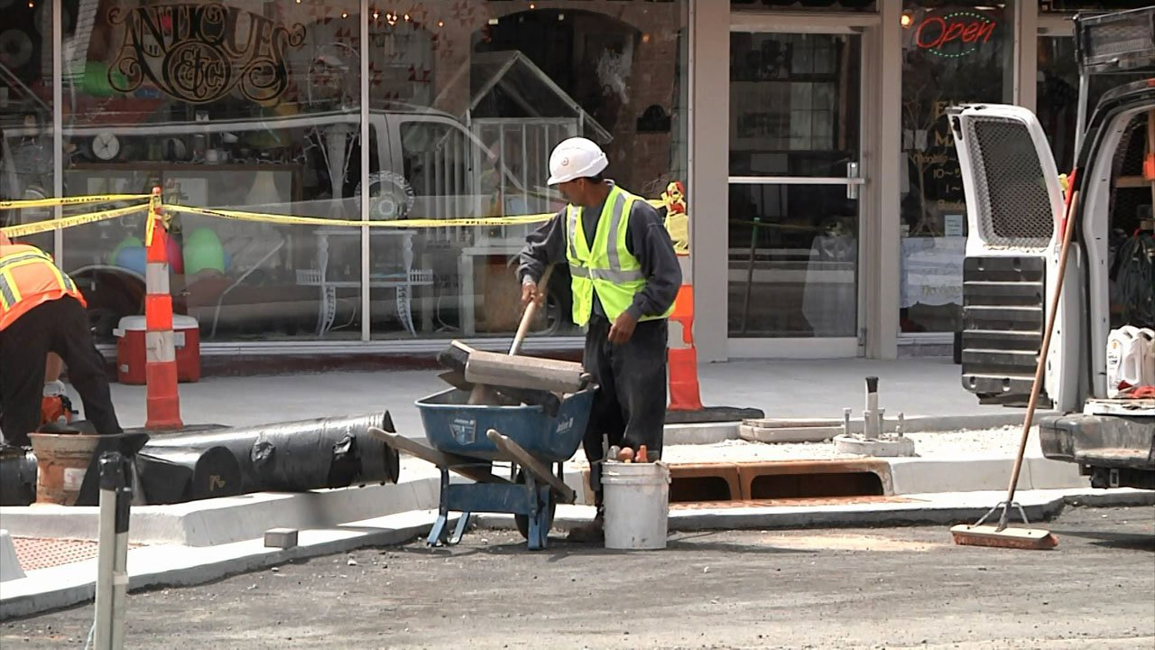 When construction is complete along Main Street, Ardmore will require drivers to back-in when parking. (KTEN)
